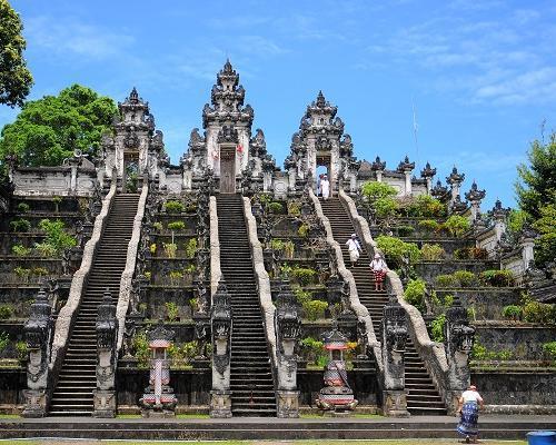Templos y rascacielos:Singapur, Kuala Lumpur y Bali