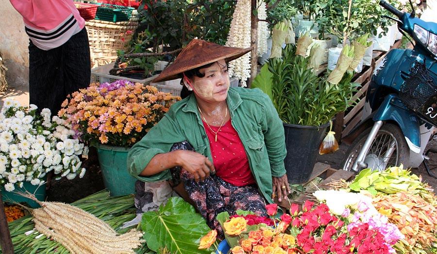"Yangon, Privatrundreise ""Myanmars Süden"" & Baden in Ngwe Saung"