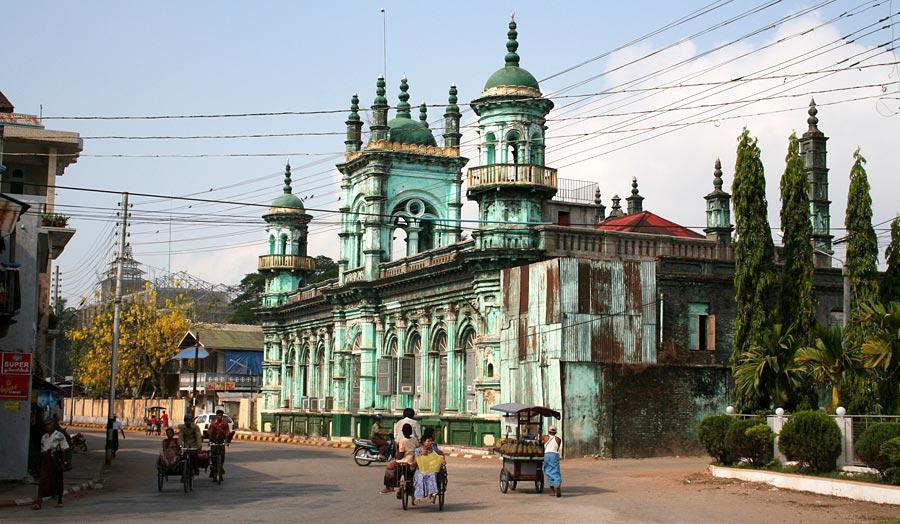 "Yangon, Privatrundreise ""Myanmars Süden"" & Baden in Ngapali"