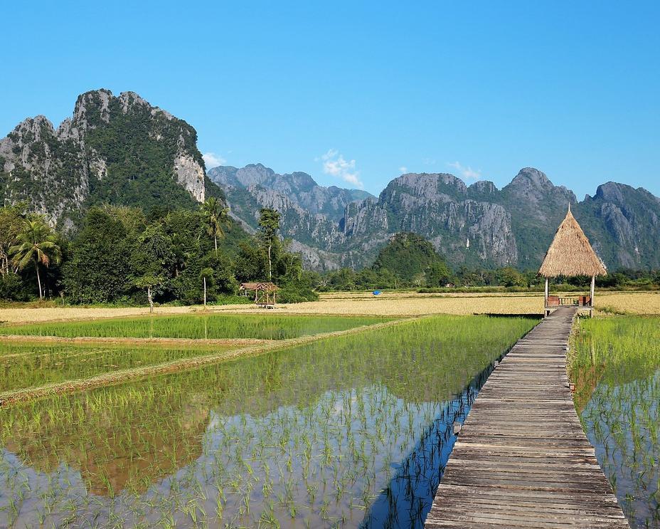 """Single-Special: Rundreise """"Höhepunkte Laos"""" & Baden auf Phuket"""