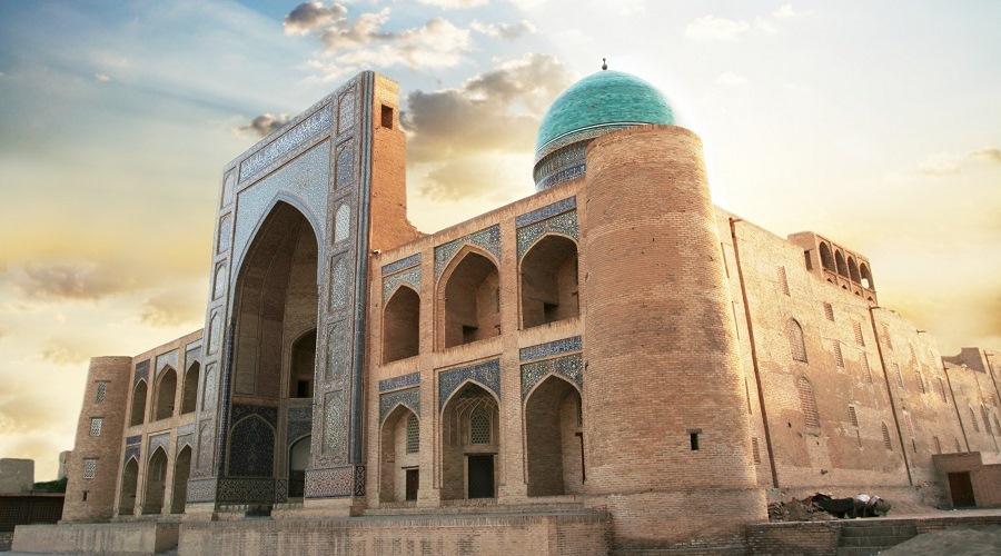 Uzbekistán y Turkmenistán Completo (11D / 10N) en Media Pensión