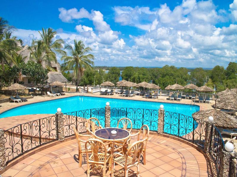 FCO - Temple Point Resort Kenya - JUMP P+US