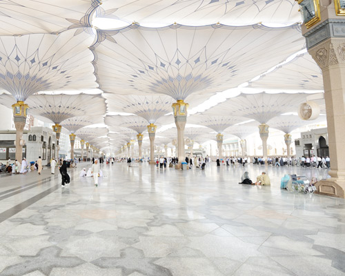 Umrah and Istanbul (9 Nights at 5* & 4*) 3 Nights in Madinah at Crowne Plaza Madinah + 3 Nights in Makkah at Sheraton Makkah Jabal Al Kaaba + 3 Nights in Istanbul at Dosso Dossi Hotels Old City