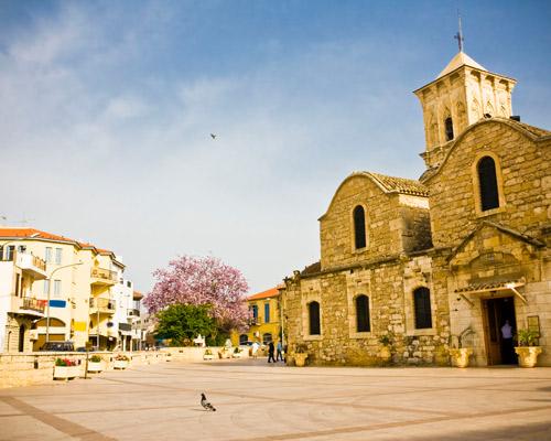 Ciprus: utazás repülővel és szállás