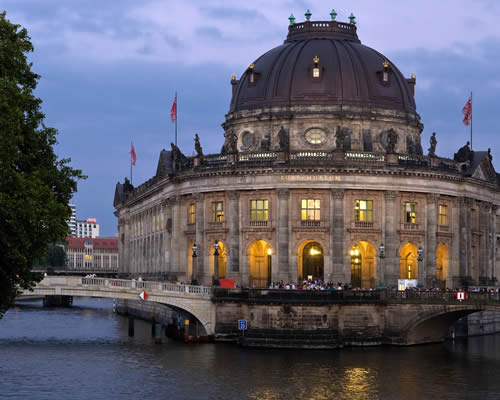 9N/10D Europe tour from USD 1233 pp