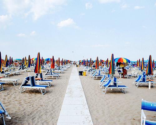 8 nap nyaralás Riminiben 3 csillagos tengerparti hotelben reggelivel