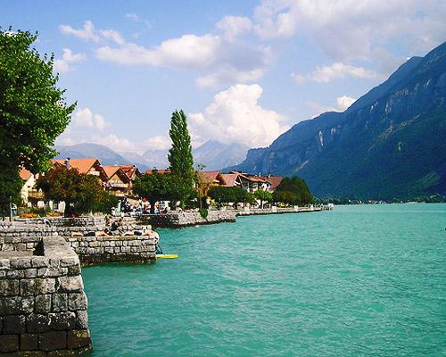 Lagos de Suiza en coche de alquiler