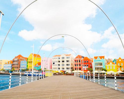 Karibi nyaralás Curaçao szigetén: utazás repülővel és szállás 4*