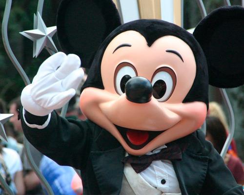 Ponte 1 Novembro em Disneyland Paris desde Lisboa