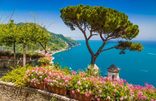 Amalfi-part, Sorrento: utazás repülővel és szállás