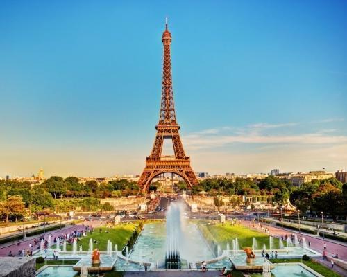Párizs városlátogatás: utazás repülővel és szállás