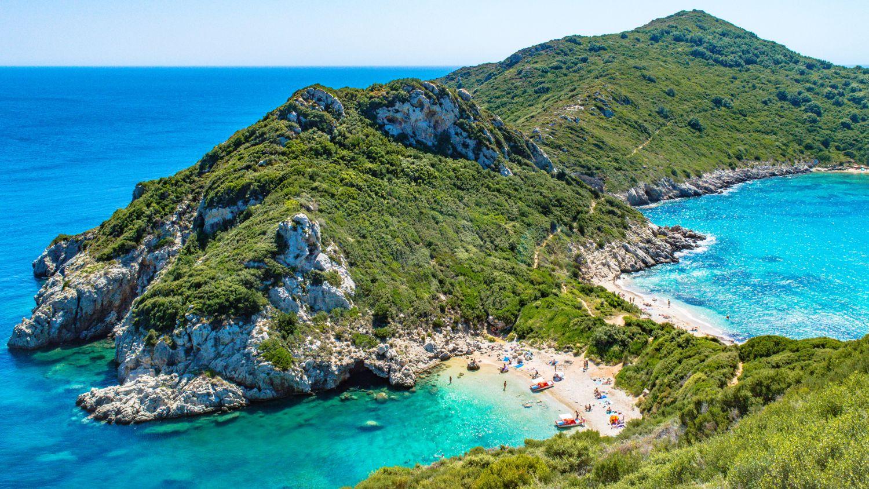 Korfu: utazás repülővel és szállás