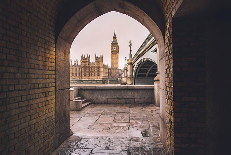 ٤ أيام. لندن ٣*