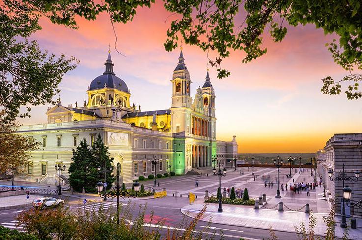 7 Days. Madrid 3* I Barcelona 3*