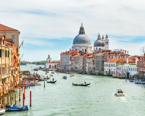 4 nap Velence: városlátogatás repülőjeggyel, hotellel