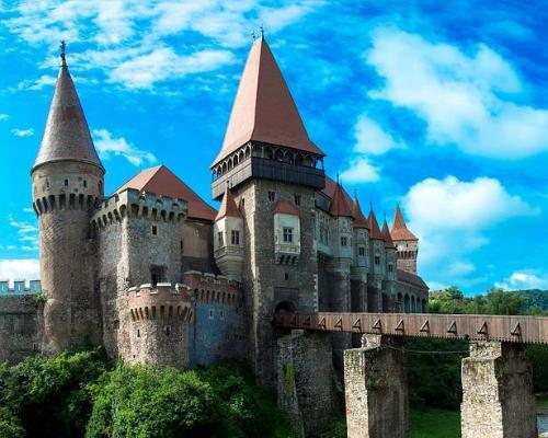 Visita la Maravillosa Ciudad de Bucarest Incluido una Excursion al Famoso Hogar del Conde Drácula.