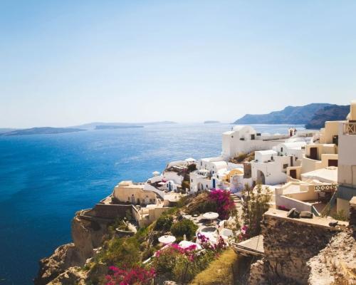 Santorini utazás: szállás és repjegy Bécsből